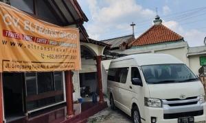 Travel Semarang Menteng
